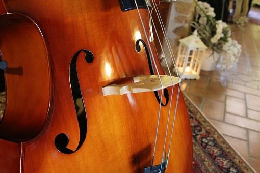 Kamienna muzyka na kontrabas